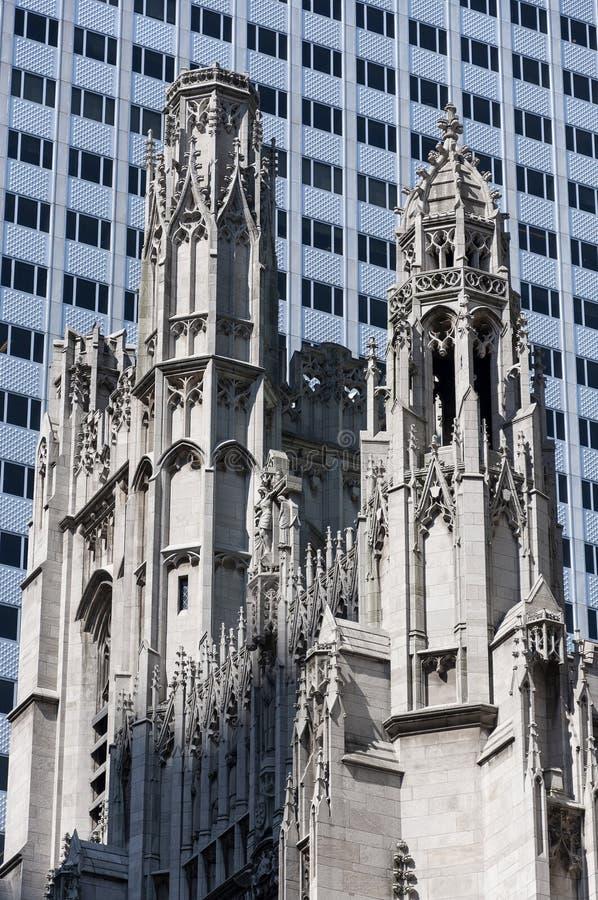Detalj av tornet av den Sanka Thomas Church, i New York City royaltyfria foton
