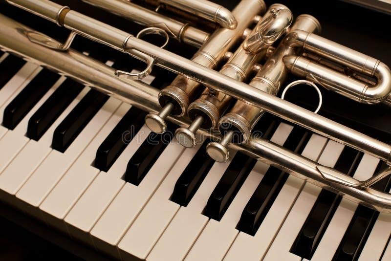 Detalj av trumpeten royaltyfria foton