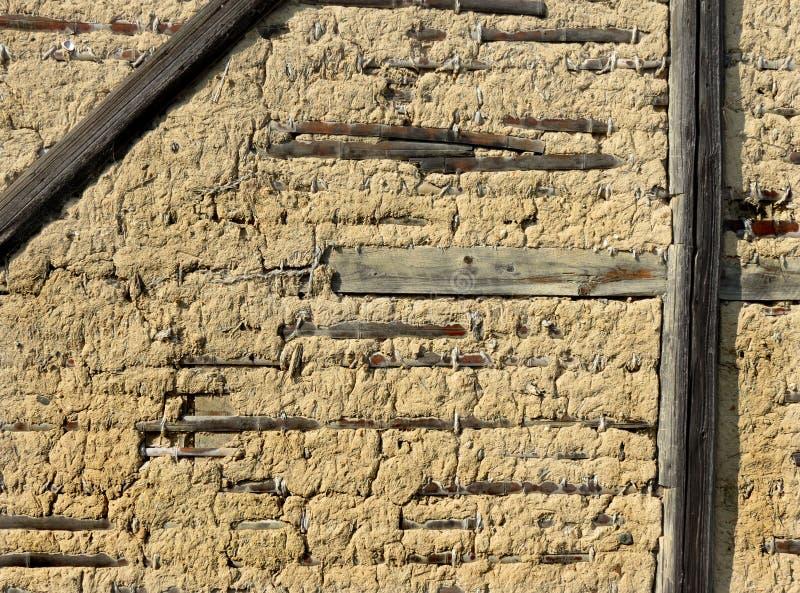 Detalj av väggen av ett gammalt japanskt lantbrukarhem royaltyfri foto