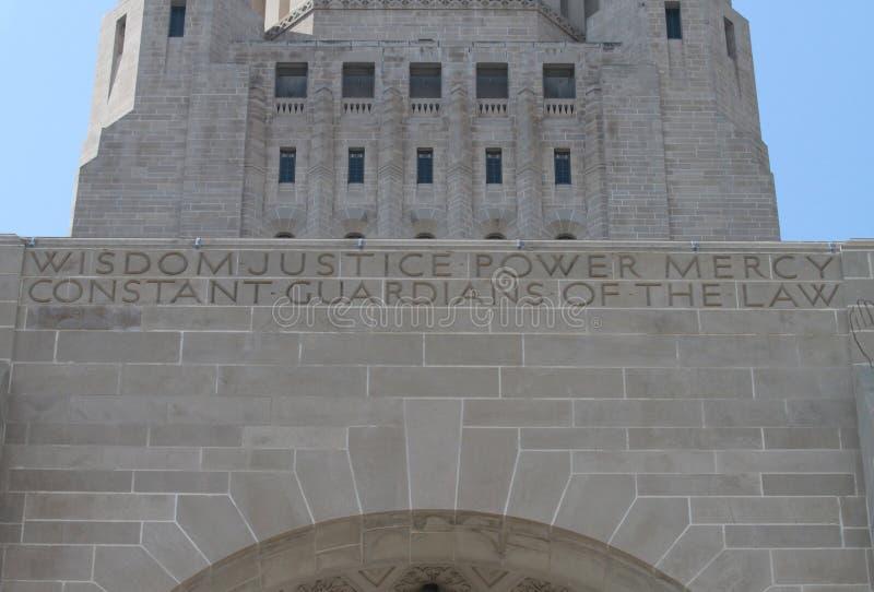 Detalj av yttersida av byggnad för Nebraska statKapitolium arkivfoto