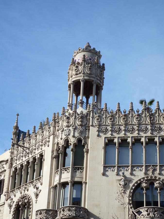Detalj för Barcelona byggnadstak royaltyfri fotografi