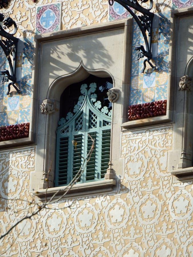 Detalj för CasaAmatller fönster arkivfoton
