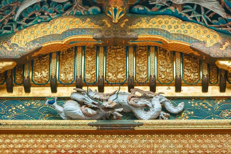 Detalj på fronton av NIkko Toshogu den huvudsakliga relikskrin i Nikko, Japan fotografering för bildbyråer