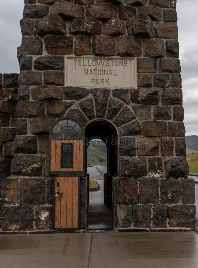 Detalj på Roosevelt Arch royaltyfria foton