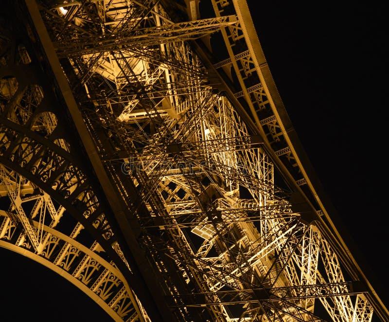 Detalj p? natten av Eiffeltorn royaltyfri fotografi