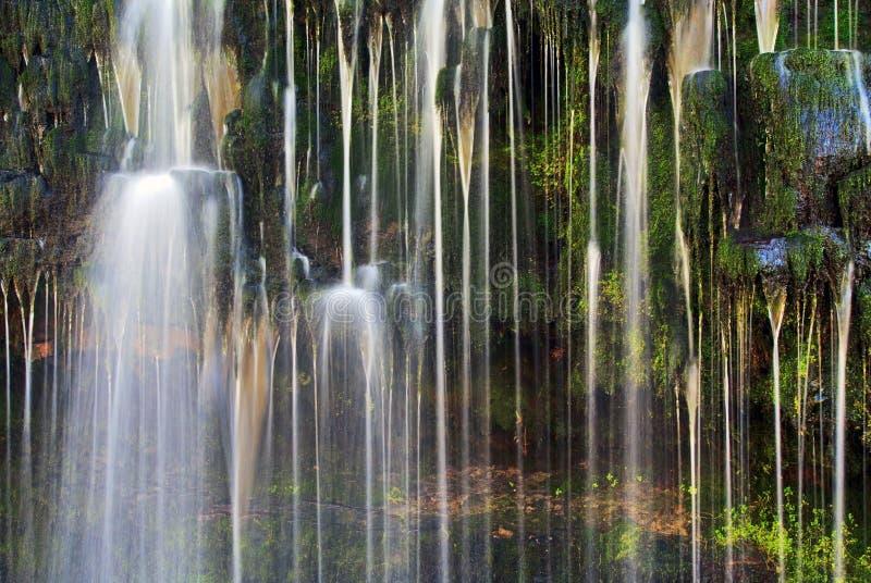 Detalj Sgwd Isaf Clun Gwyn Waterfall River Afon Mellte royaltyfri foto
