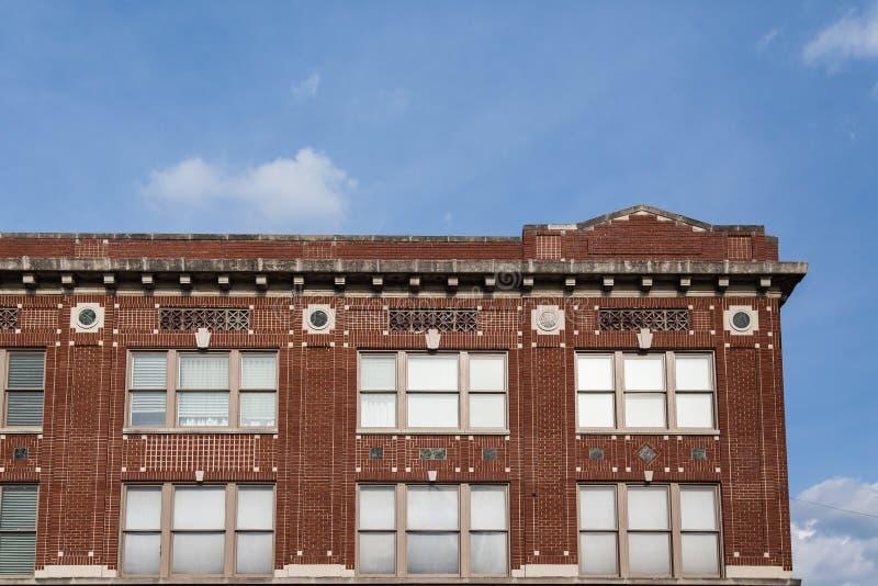 Detaljarbete på gammal tegelstenbyggnad royaltyfria foton