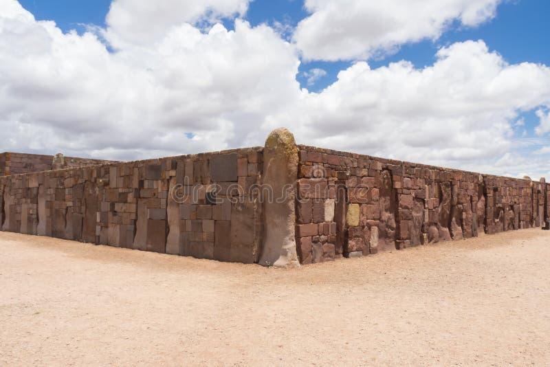 Detaljen av väggen i Tiwanaco fördärvar i Bolivia nära La paz arkivfoto