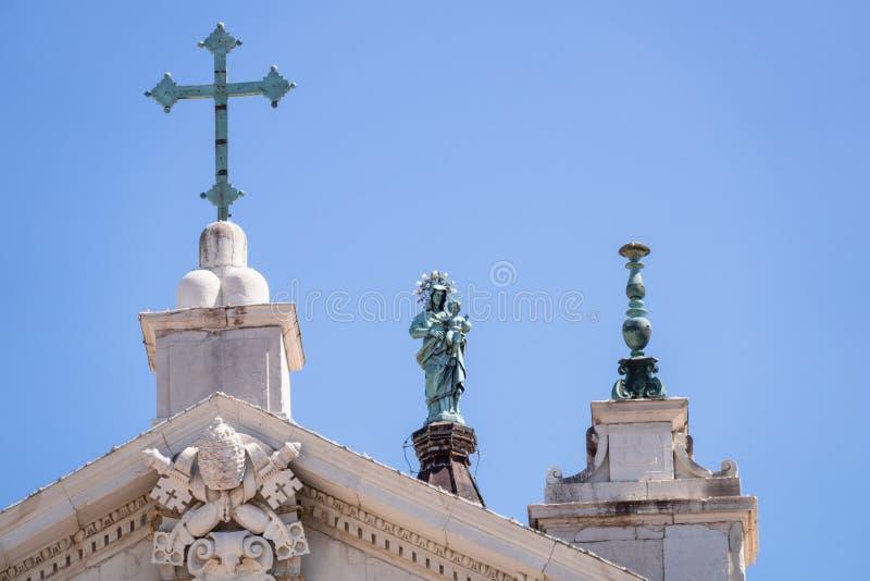 detaljer av basilikadellaen Santa Casa i Italien Marche arkivfoto