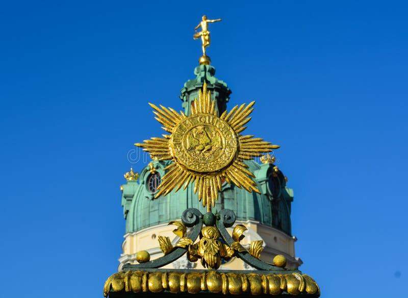 Detaljer av den Charlottenburg slotten i Berlin royaltyfri foto