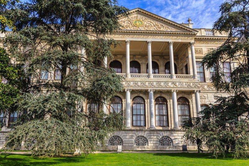 Detaljer av den Dolmabahce slotten arkivbilder