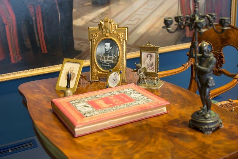 detaljer av den utsmyckade inre av Catherine Palace royaltyfri fotografi