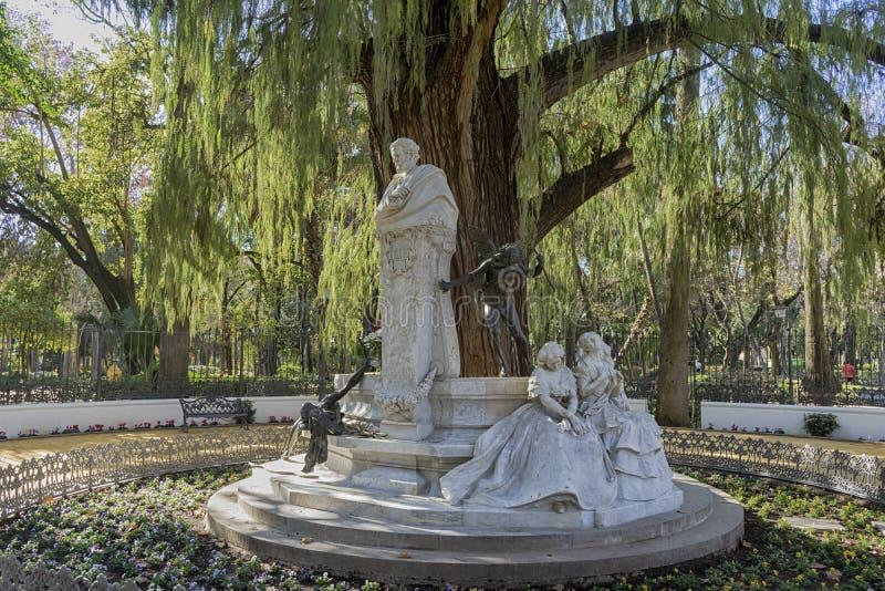 Detaljer av monumentet som är hängiven till poeten Gustavo Adolfo Becquer i Seville arkivbilder