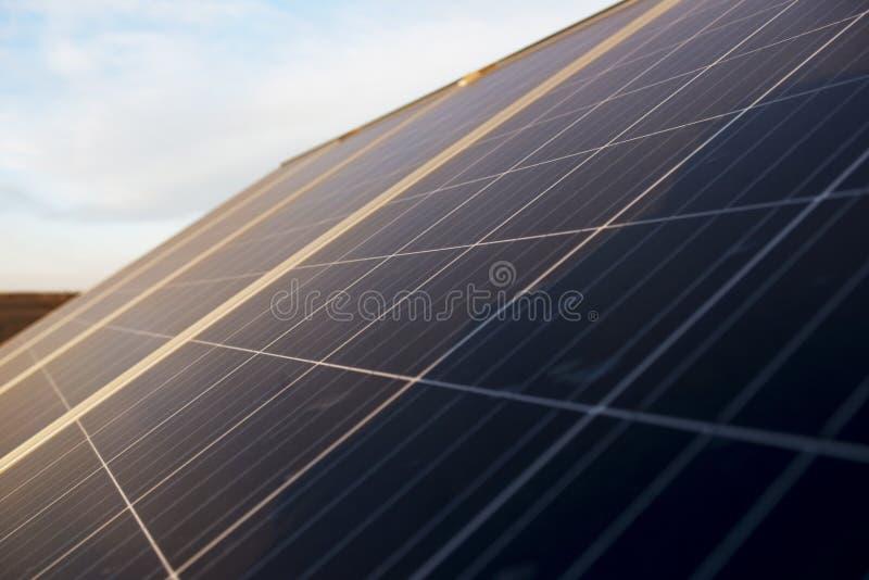 Detaljer av slutet upp solpaneler fotografering för bildbyråer
