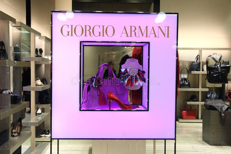 Detaljhandel ställer ut Giorgio Armani royaltyfria bilder