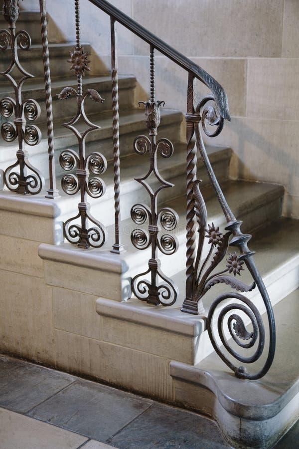 Detalle adornado de la verja del hierro labrado fotos de archivo libres de regalías
