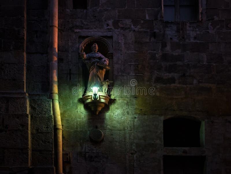 Detalle arquitectónico de la ciudad vieja de La Valeta malta imagen de archivo libre de regalías