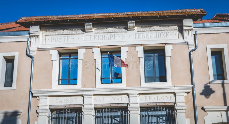 Detalle arquitectónico de la comisaría de policía de Marseillan imagen de archivo