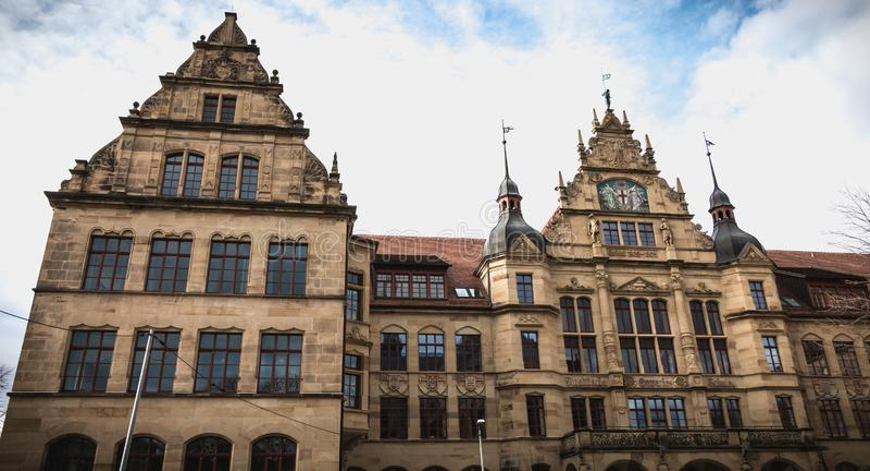 Detalle arquitectónico de la institución educativa Gertrud Luckner Gewerbeschule imagenes de archivo