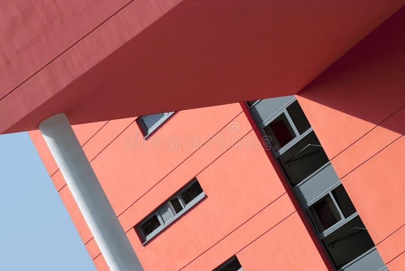 Detalle arquitectónico de un edificio moderno foto de archivo