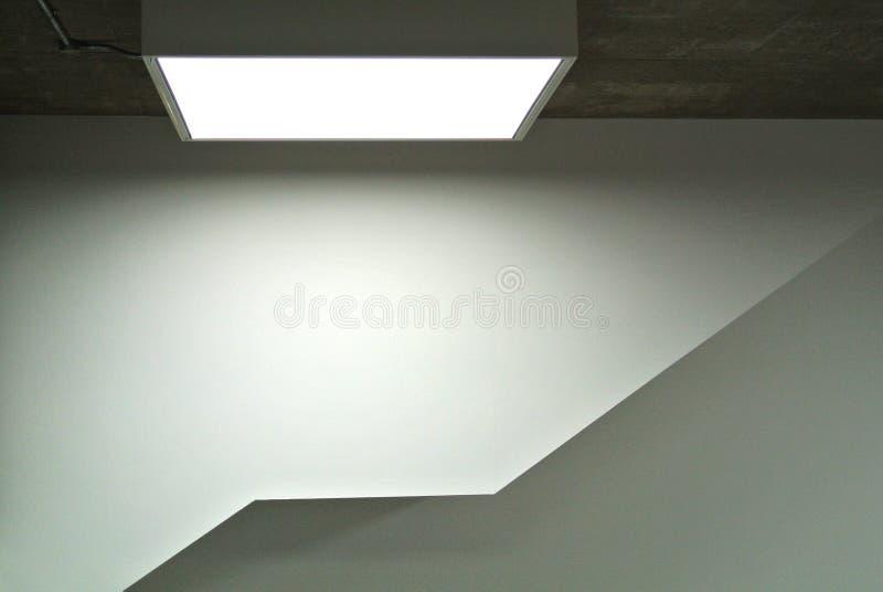 Detalle arquitectónico del interior del edificio moderno foto de archivo
