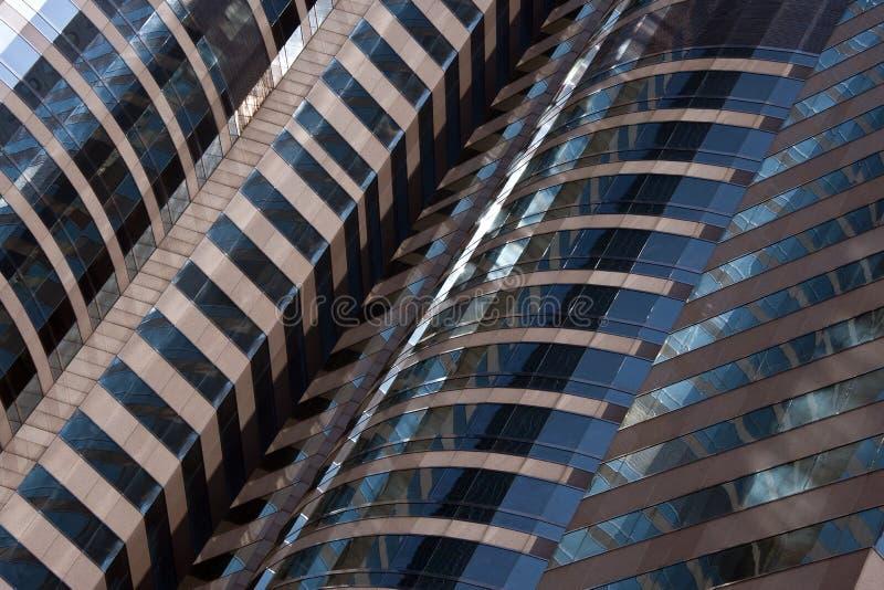Detalle arquitectónico - edificio de oficinas moderno fotos de archivo