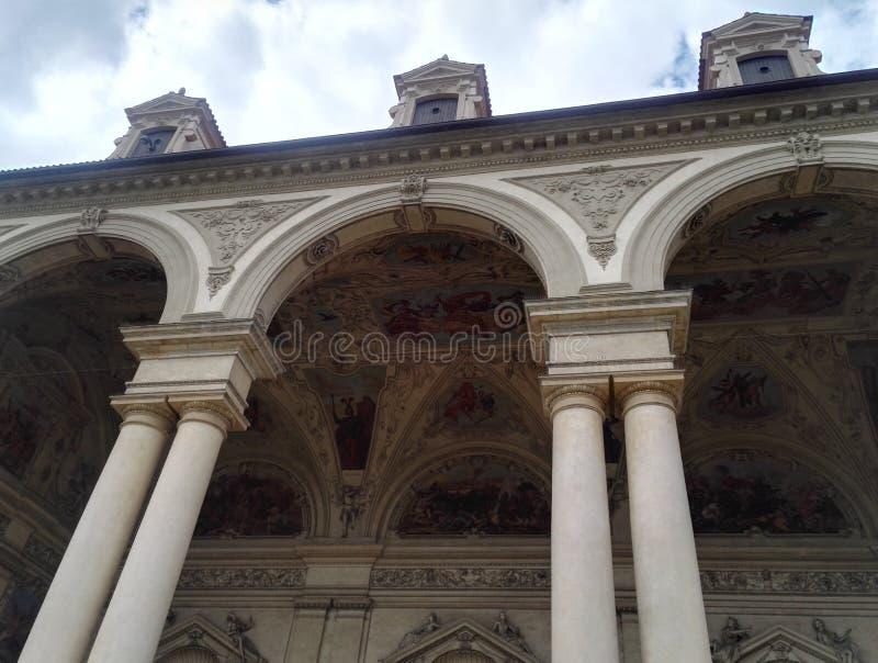 Detalle artístico hermoso del palacio de Wallenstein en Praga imagen de archivo