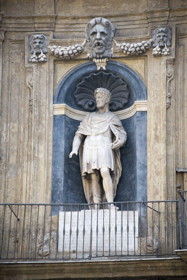 Detalle de la arquitectura en Palermo fotos de archivo