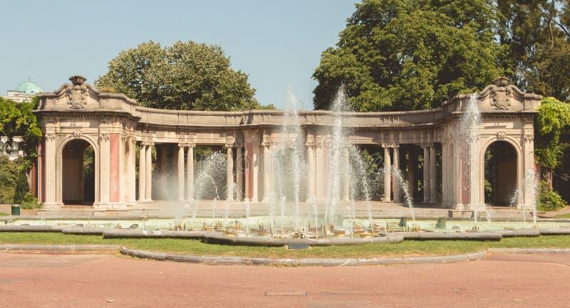 Detalle de la arquitectura de las fuentes del parque de Dona Casilda imagen de archivo libre de regalías