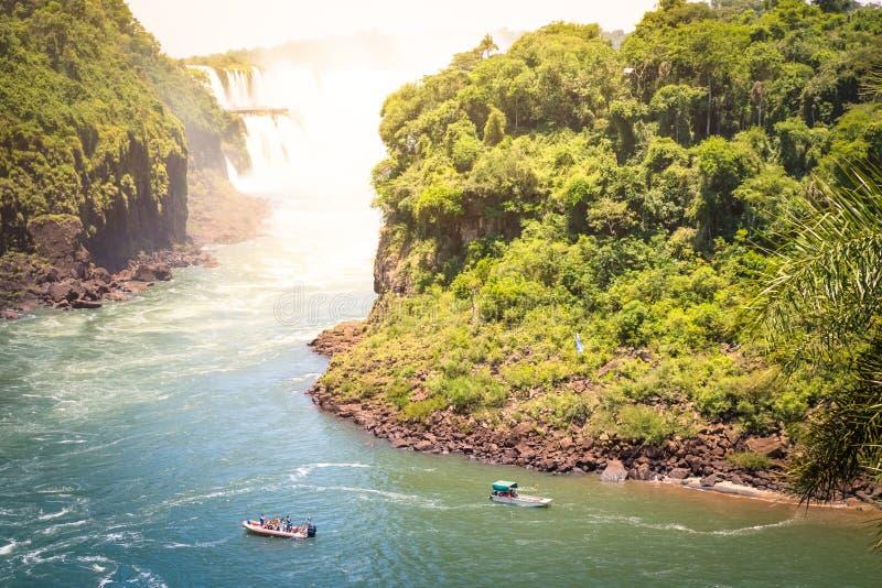 Detalle de la caída de Iguazu del mirador de la cascada de Isla San Martin fotos de archivo libres de regalías