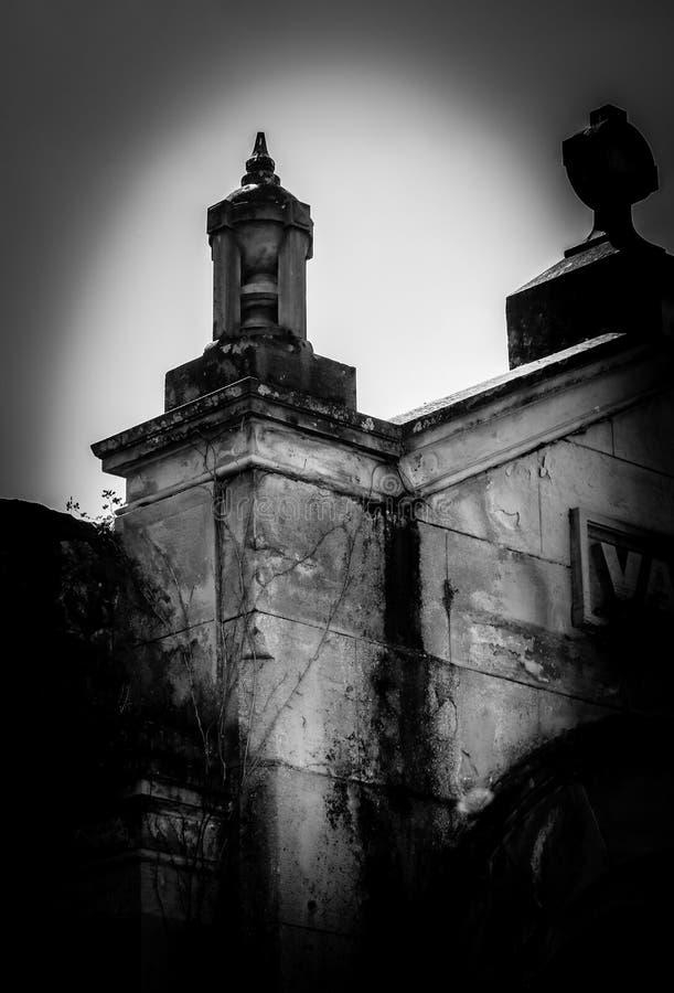 Detalle de la característica de la escultura en cámara acorazada del mausoleo imagen de archivo libre de regalías