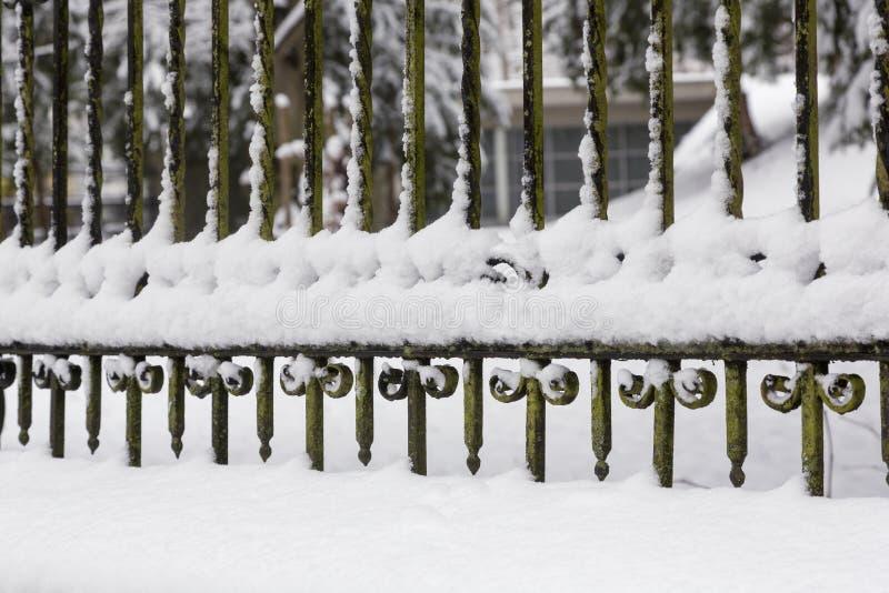 Detalle de la cerca del hierro fotografía de archivo libre de regalías
