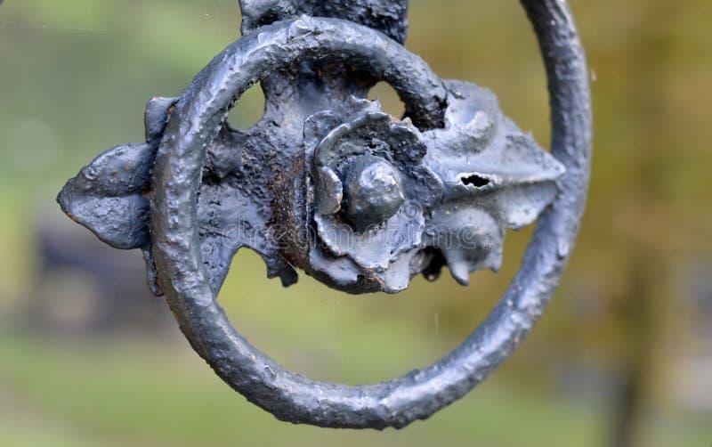 Detalle de la cerca vieja del hierro foto de archivo libre de regalías