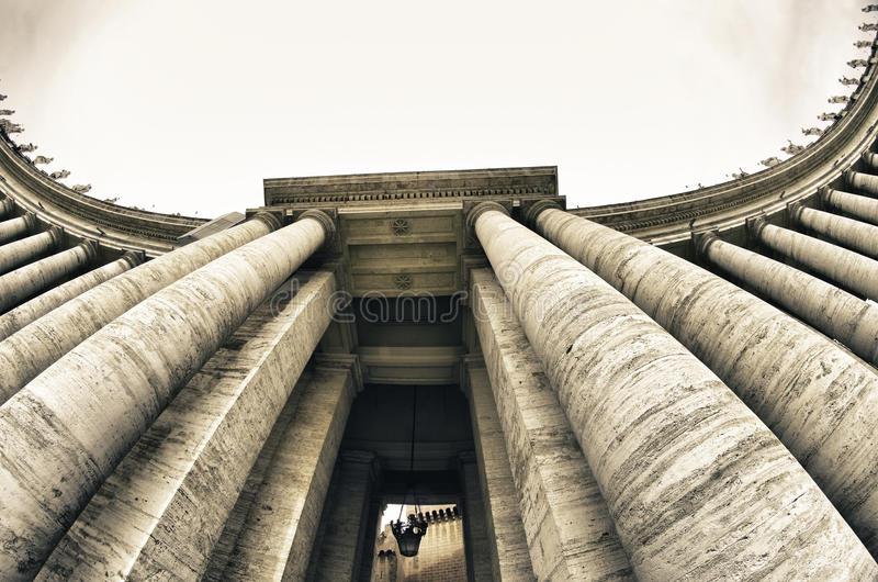 Detalle de la configuración de San Pedro de la plaza en Roma fotos de archivo libres de regalías