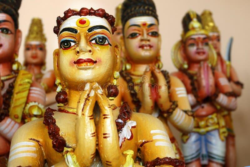 Detalle de la estatua en templo hindú foto de archivo