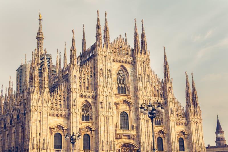Detalle de la fachada de Milan Cathedral foto de archivo libre de regalías