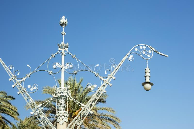 Detalle de la farola o de la lámpara tradicional en un día soleado cerca de AR foto de archivo libre de regalías