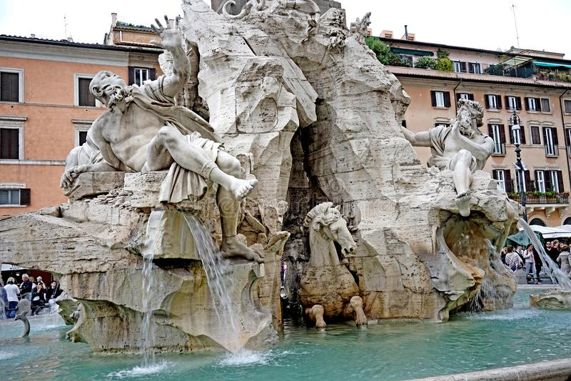 Detalle de la fuente de los cuatro ríos en Roma foto de archivo libre de regalías