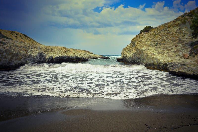 Detalle de la playa de Sarakiniko foto de archivo