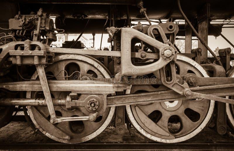Detalle de la rueda de una locomotora del tren del vapor imagen de archivo