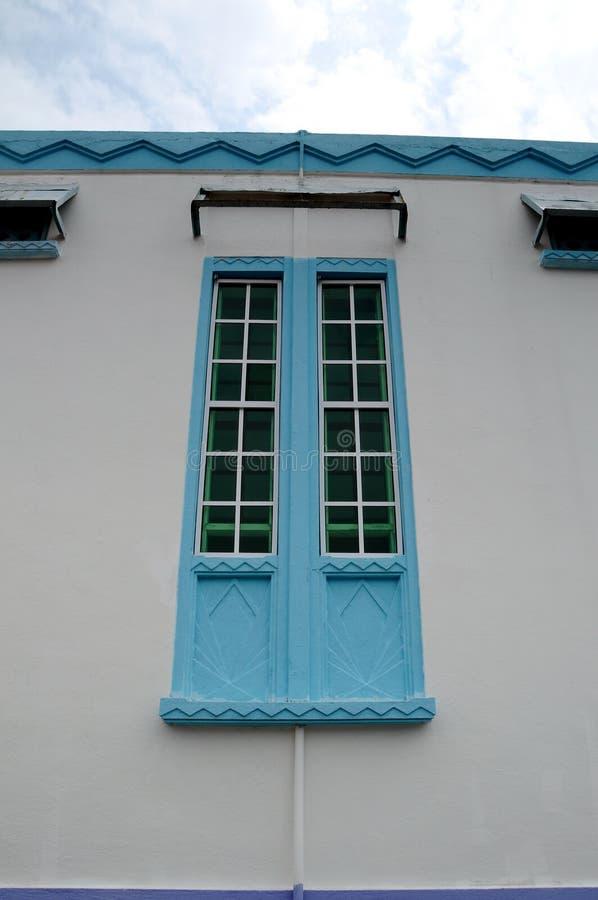 Detalle de la ventana en Masjid Jamek Dato Bentara Luar en Batu Pahat, Johor, Malasia imágenes de archivo libres de regalías