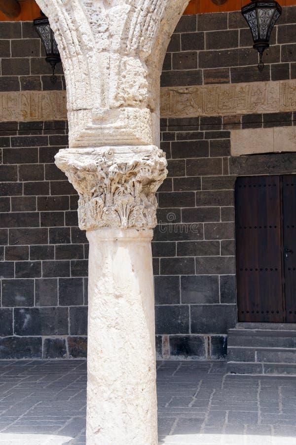 Detalle de las columnas del Corinthian fotos de archivo