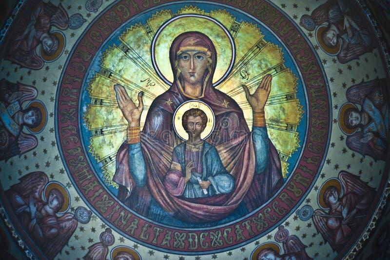 Detalle de los frescos pintados en la iglesia fotografía de archivo