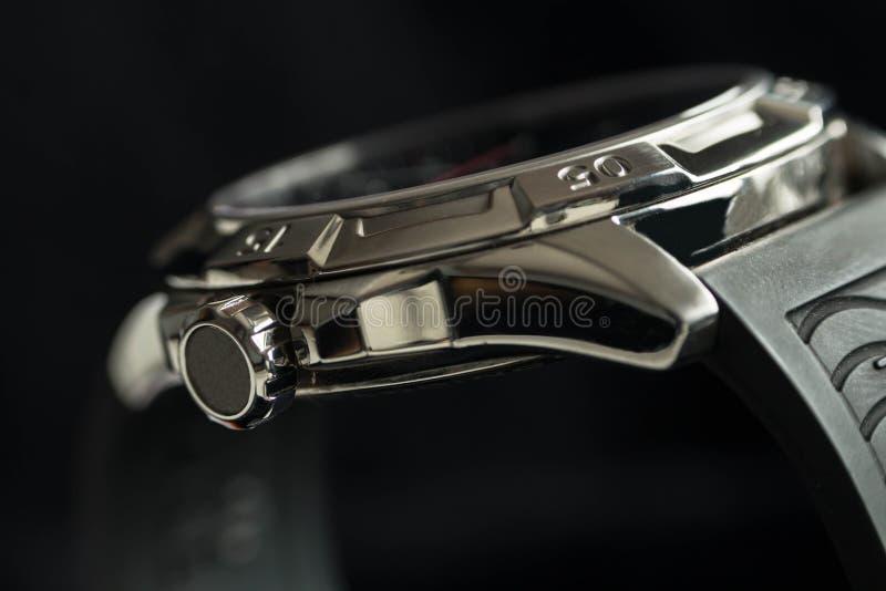 Detalle de lujo del reloj del hombre, ascendente cercano del cronógrafo fotos de archivo libres de regalías