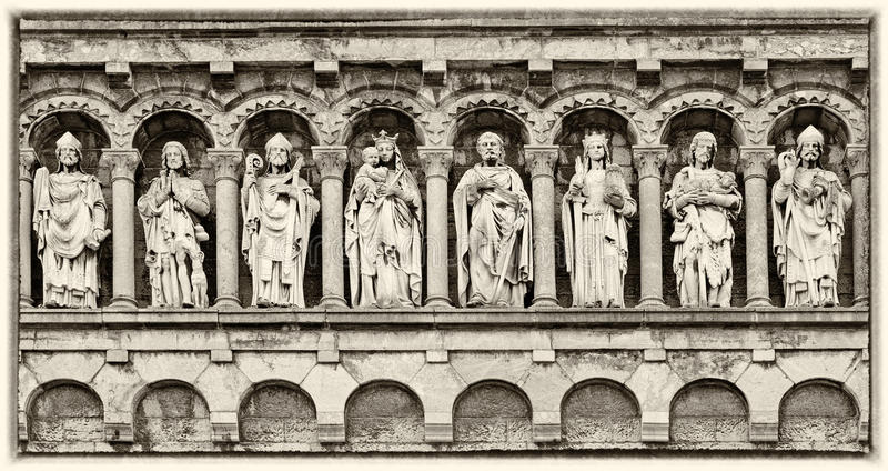 Detalle de nuestra iglesia de señora Visitation en Rochefort imagen de archivo