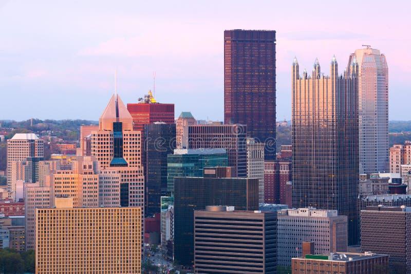 Detalle de rascacielos en el distrito financiero central en Pittsburgh fotos de archivo libres de regalías