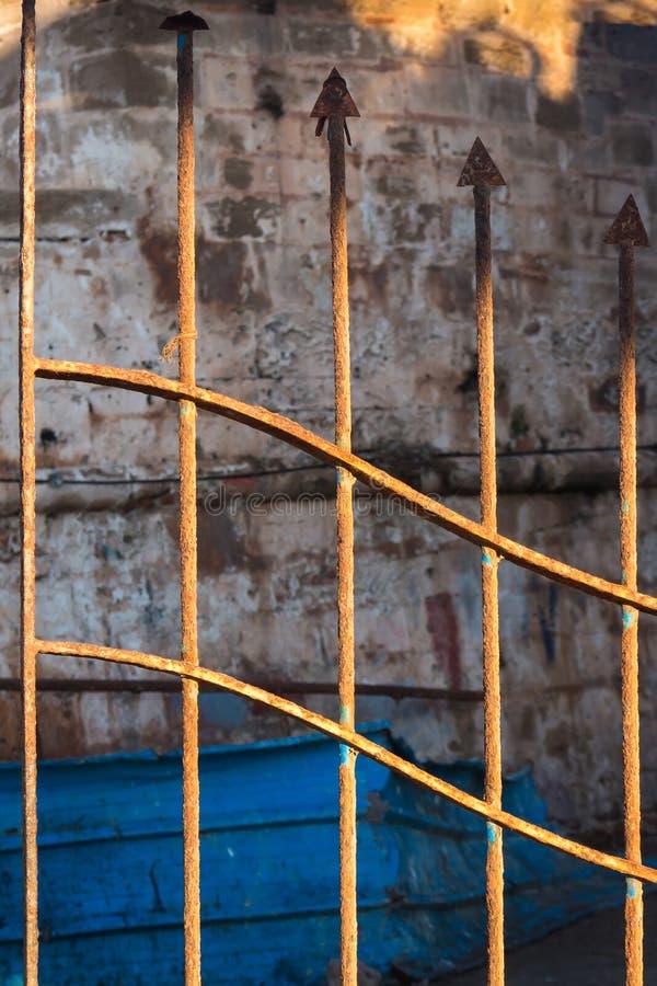 Detalle de una cerca aherrumbrada foto de archivo libre de regalías