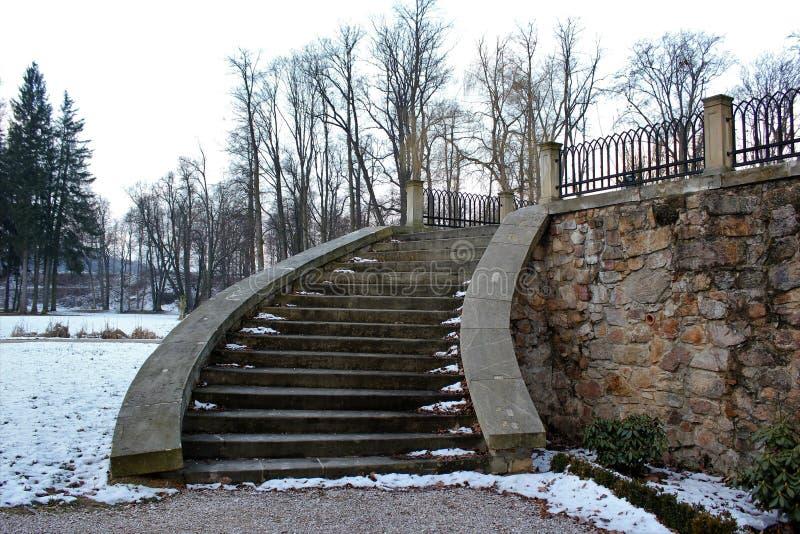 Detalle de una escalera del castillo fotos de archivo