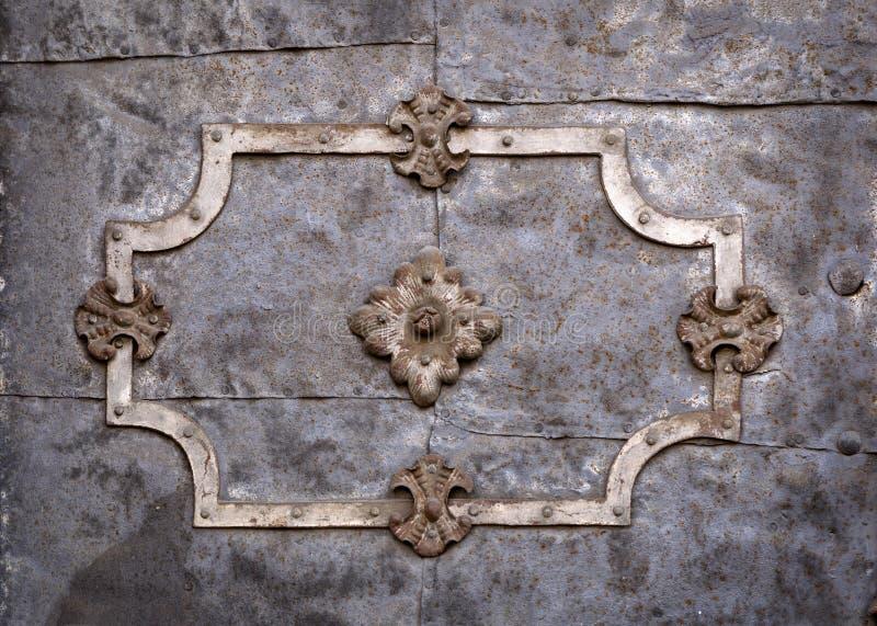Detalle de una puerta barroca en un edificio histórico foto de archivo libre de regalías