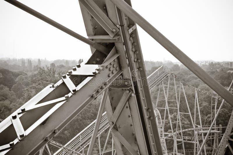 Detalle de una vieja estructura del metal del del siglo XIX - noria en el Prater de Wien Europa imagenes de archivo
